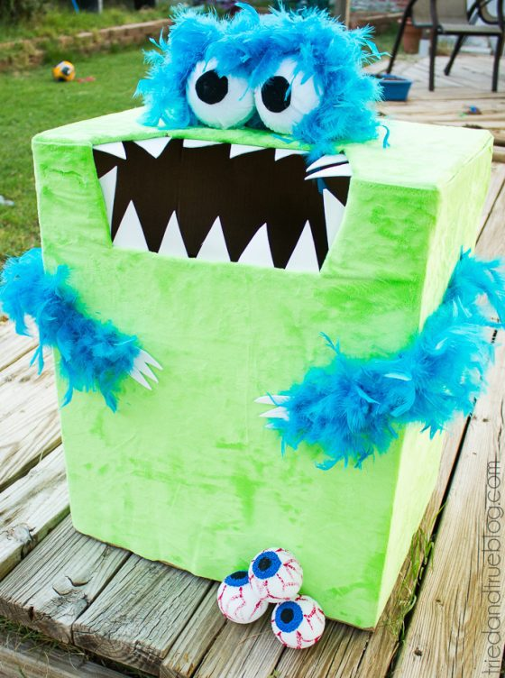 Feed-The-Monster-Halloween-Game