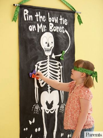 Pin the bow on the skeleton
