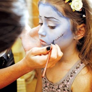 halloween-party-games-for-kids-face-painting