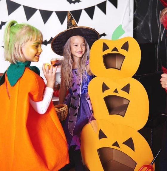 halloween-party-games-jack-o-Lantern-Bag-Toss